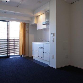 モノクロシンプル空間※写真は6階の反転間取り別部屋のものです。