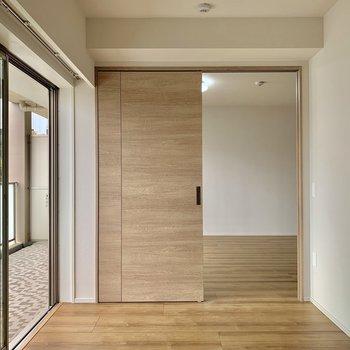 【南側5帖】寝室?こども部屋?成長にあわせてお使い下さい。※写真は4階の同間取り別部屋のものです。