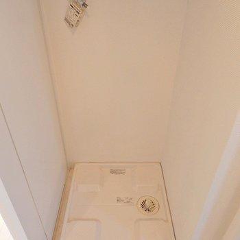 洗濯機置き場はもちろん室内! ※写真は同間取り別部屋