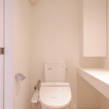 水回りも清潔に。※写真は1階の同間取り別部屋のものです