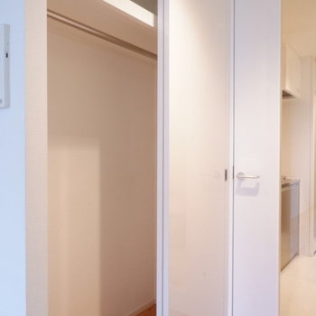 クローゼット大容量◎※写真は1階の同間取り別部屋のものです