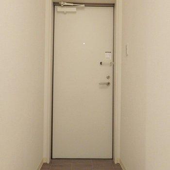 玄関はこんな感じ。(※写真は同間取り、別部屋のもの)