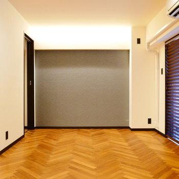 クロスも素敵なお部屋です。 ※クリーニング前の写真です