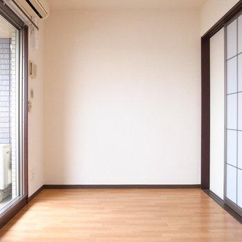 【LDK】窓が3つもあるベランダは、日差しをたっぷり届けてくれます!