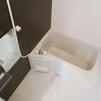 浴槽もしっかりとあります