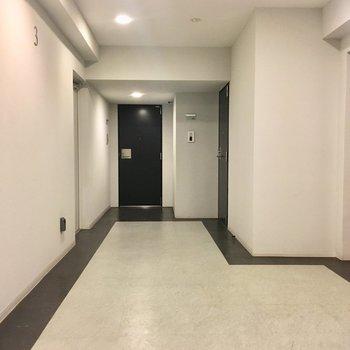 共用部も広いんですね〜※3階の同間取り別部屋の写真です
