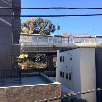 眺望は望めませんが悪くないです!※3階の同間取り別部屋の写真です