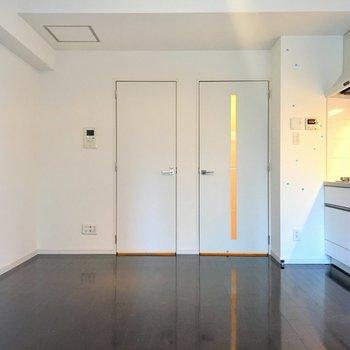 お部屋の中にキッチンあるけれど、しっかりシステムキッチン!※3階の同間取り別部屋の写真です