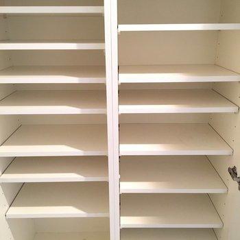 下駄箱はしっかり大容量※3階の同間取り別部屋の写真です