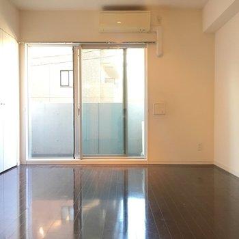 二面採光、ゆったりひとり暮らし!※3階の同間取り別部屋の写真です