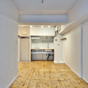 【LDK】キッチン前はダイニングテーブルを置いて◎