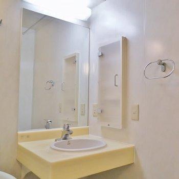 小さめですが洗面もあります※写真は前回募集時のもの。
