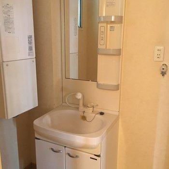 独立洗面台があると身支度しやすいですね。※写真は前回募集時のものです