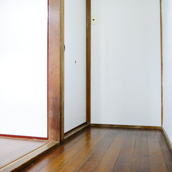 振り分けられた2部屋。まずは左側の・・・