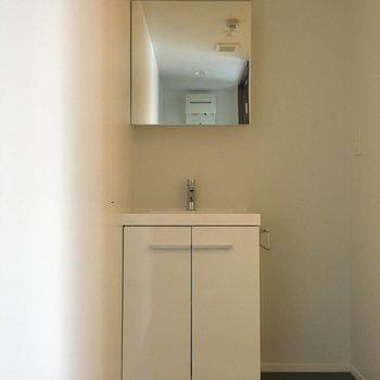 洗面台はこちら。脱衣スペースが広いところがgood
