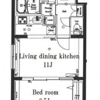 一直線に並ぶLDKと寝室。