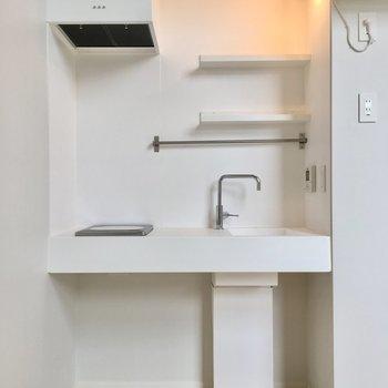 無造作なホワイトキッチン、おしゃれ※写真は同じ間取りのNo.7のお部屋です