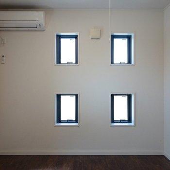 【DK】小窓が可愛いです。