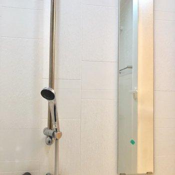 お風呂場に鏡付いています◎