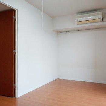 廊下へ行くドアも可愛い。※写真は前回募集時のものです