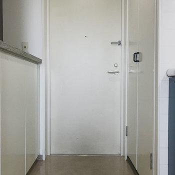 玄関はゆったりしています。
