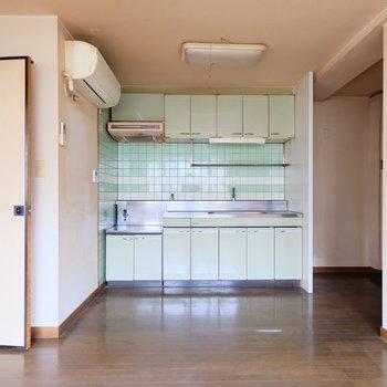 【工事前】キッチンも一新しますよ!