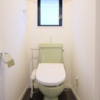 既存のトイレにウォシュレットがつきますよ◎※写真は別部屋
