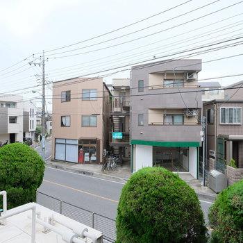 静かな住宅街の眺め