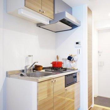 キッチン横に冷蔵庫置けますね。※写真は同間取り7階のお部屋です