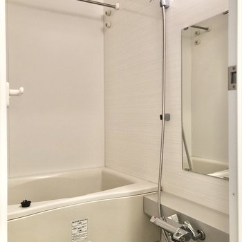 浴室乾燥も使えますよ。※写真は6階の同間取り別部屋のものです