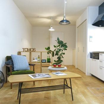 無垢床にはナチュラルな家具がはえますね!(※家具はイメージ)