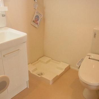 水回りは充実※写真は2階の同じ間取りの別部屋