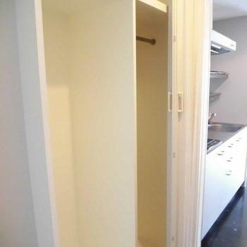 引き出しを入れたりも可能です ※2階同間取り別部屋の写真です