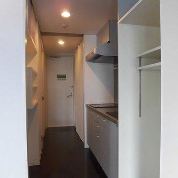 キッチン周りにも! ※2階同間取り別部屋の写真です