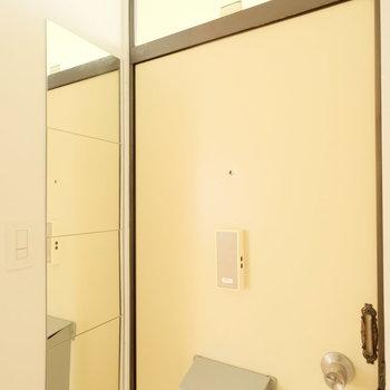 おっと、鏡も有りました※写真はクリーニング前、前回募集時のものです