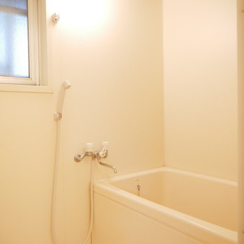 浴室シンプルでスッキリしてます