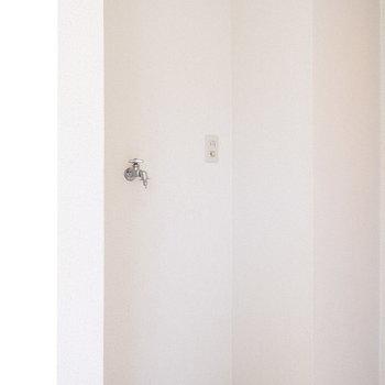 洗濯機置場も屋内に。※2階別部屋同間取りの写真です。