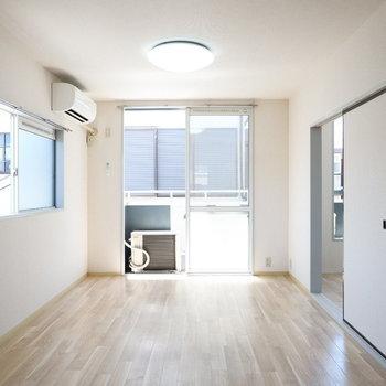 2面採光で明るさ十分♪※2階別部屋同間取りの写真です。