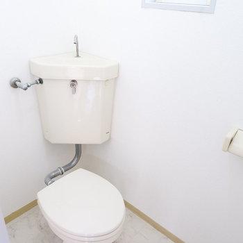 トイレは完全に分かれています。※2階別部屋同間取りの写真です。
