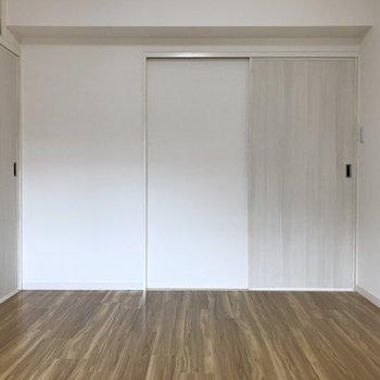6帖洋室は寝室エリアに。