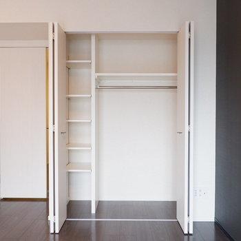 収納は多機能で使いやすい◎※写真は6階の反転似た間取り別部屋のものです