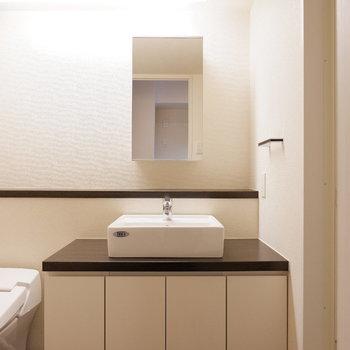 洗面台広いです◎※写真は6階の反転似た間取り別部屋のものです