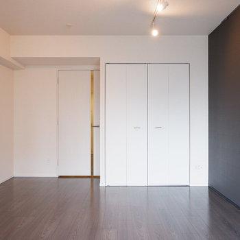 ライティングレールついてます!※写真は6階の反転似た間取り別部屋のものです