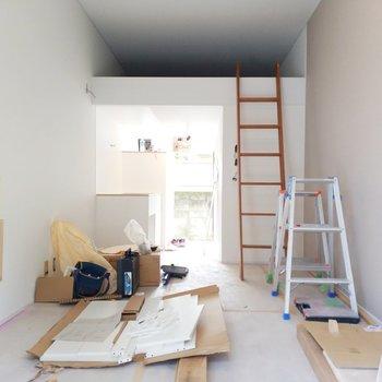 【工事中】白の雰囲気で気持ちのいい空間のこと間違いなし!