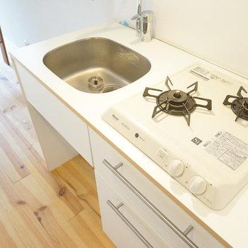 【イメージ写真】2口のTOMOSオリジナルキッチンを新設!