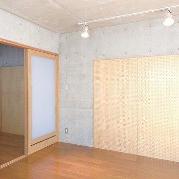 コンクリートではむりなことも、このボードになら!?※1階別部屋同間取りのお部屋の写真です。