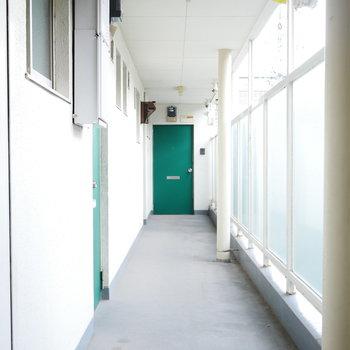 やっぱり緑の玄関がかわいい