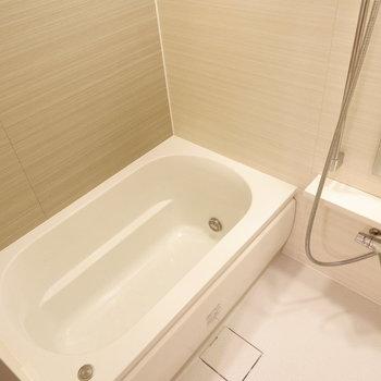 お風呂はゆっくり入れそうですね♪※写真は12階の同じ間取りの別部屋です。