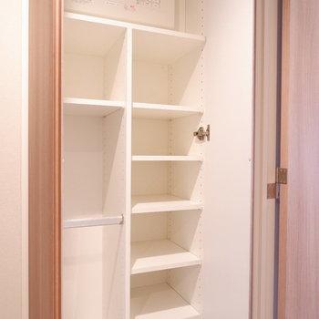 シューズボックスこんなに入るのか!※写真は12階の同じ間取りの別部屋です。