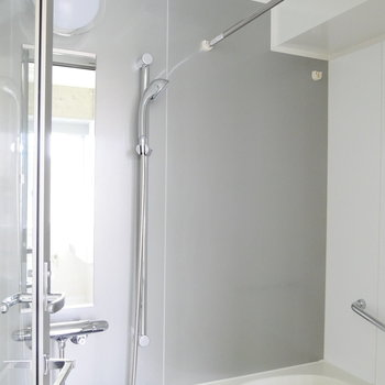 浴室乾燥機能ついてます。